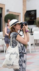 Meet Digital Nomad Girl Xenia Translator Pic 1