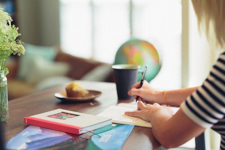 planning travel digital nomad girls