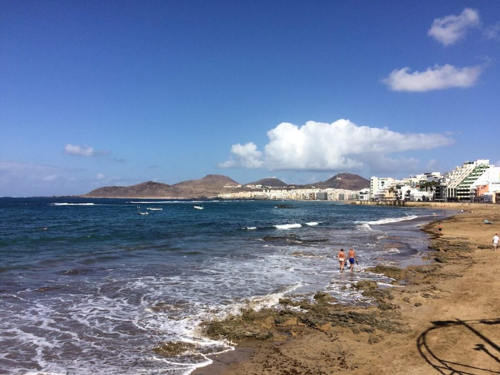 Las Palmas for Digital Nomad Girls Las Canteras Beach