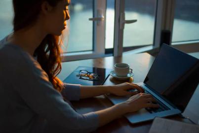digital nomad girls translator online job