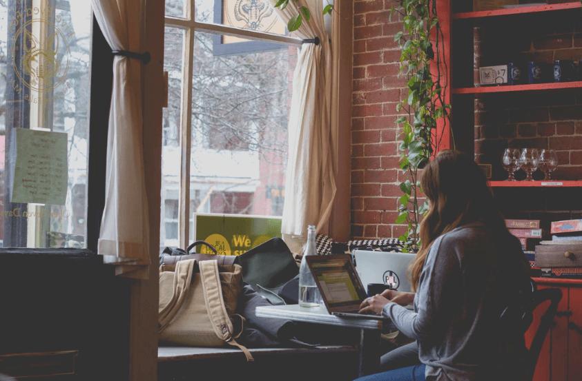 digital nomad girls translator online jobs month