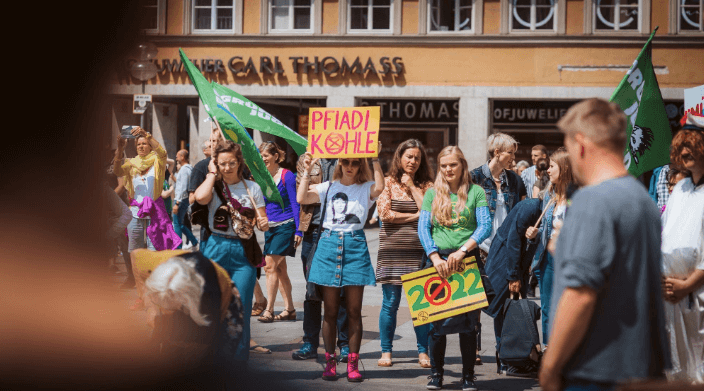 digital nomad environment extinction rebellion jennifer lachs